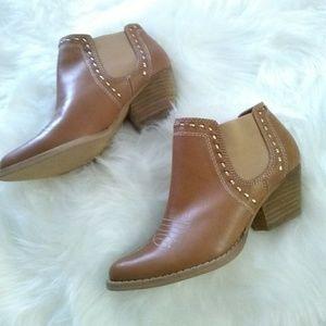 Reba Shoes - Reba leather ankle boots sz 6.5 New